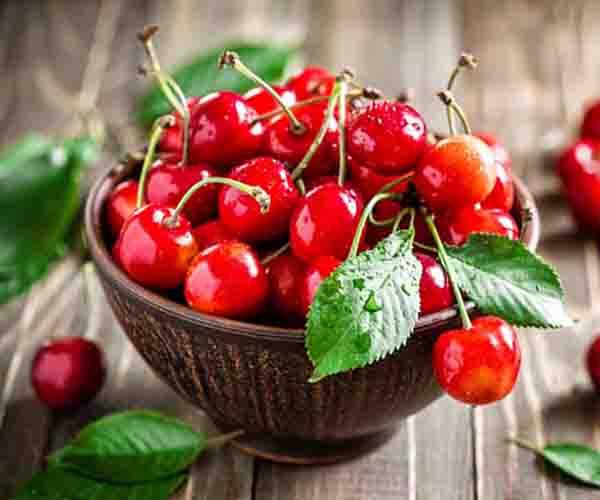 Ciliegie, il frutto che fa bene e concilia il sonno