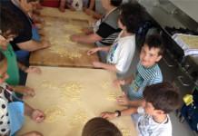 """Nonne e nipoti con le """"Mani in pasta"""" a Tavenna"""
