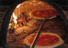 Cercasi pizzaioli esperti in forno a legna