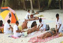 Massaggi in spiaggia, rischiosi per la salute. Ecco perché
