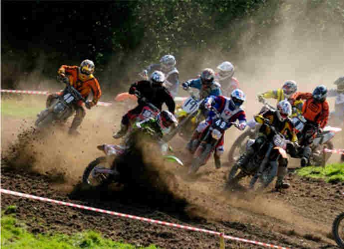 Enduro e motocross, una domenica di sport a Vinchiaturo