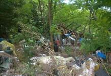 Campobasso, migranti e volontari ripuliscono la discarica abusiva di Monte Vairano