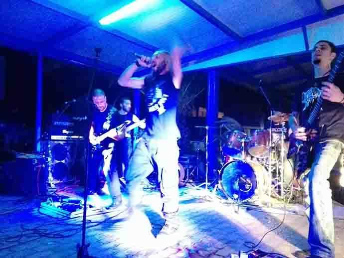 Energia pura, la band molisana degli Hellsteps al Metal Circus